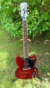Gibson Epiphone SG Limited Edition Custom Electric Guitar $400.