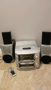 3 disc CD player and radio with speakers