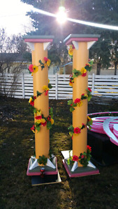 2        7.5 feet tall wedding pillers