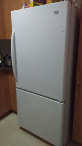 URGENT! Réfrigérateur MAYTAG Fridge Excellente Condition