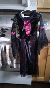 HALLOWEEN COSTUME!- girl's witch or vampire size 7-8