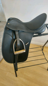 Wintec Dressage saddle with interchangeable gullet