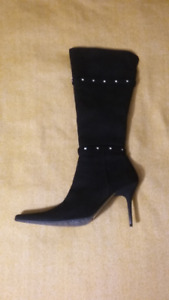 BRAND NEW Suede High Winter Boots - UK 6