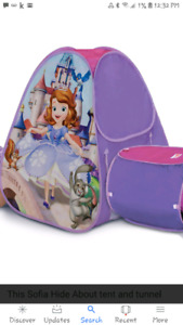 Brand new Sofia the 1st pop up tent & tunnel with box+ another