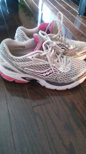 Ladies Saucony runners size 7.5