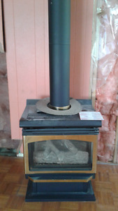 GAS FIREPLACE AND PIPE
