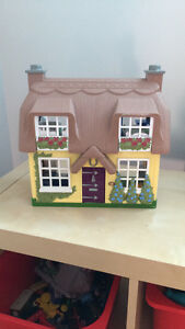 Small doll house