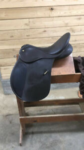 Selle de Saut - jumping saddle (NEGO.)