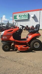 KUBOTA T1770 Lawn Tractor---LOW HOURS!!