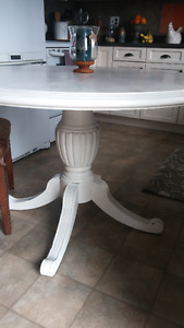 BEAUTIFUL BOMBAY DINING TABLE