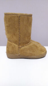 Faux Suede Tan Boots, Fur Lined, Joe Fresh, Toddler Girl, Size 6