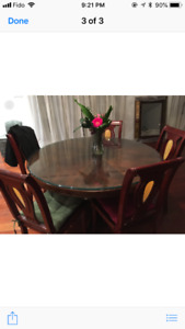 Dinner table with 6 chairs (Bombay)