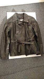 Veste de cuir noir pour moto (femme) - ÉTAT NEUF !