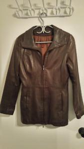 Manteau de cuir italien Danier pour femmes : 80$ au lieu de 700$