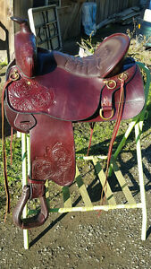 """Super Comfortable Tucker Trail Saddle"""""