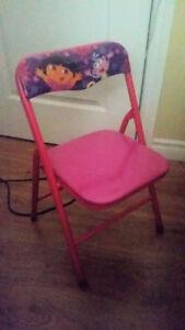 2 chaises de Dora