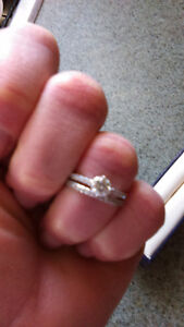 Beautiful 14 kt white gold engagement set