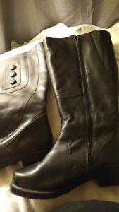 Black dress boots !!