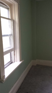 Single room for rent in a 4 bedroom house