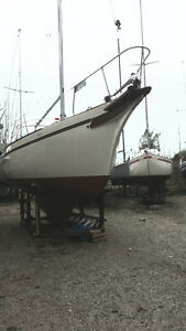 Beautiful Bayfield 32C Sailboat For Sale