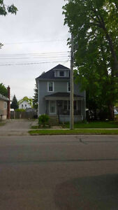 NEW LISTING IN SARNIA!