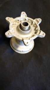 Front hub for yz450f yz250f