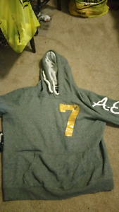 American eagle sweater large
