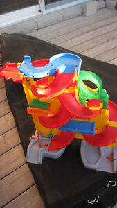 Fisher Price - Stand up Sky-way Car slides