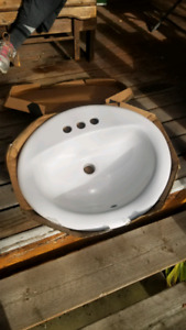 2 new porcelain sinks