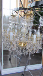 6-Light Candle-Style Chandelier in Gold