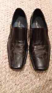 Mens dress shoes with spider design, size 8.5