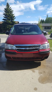 *REDUCED* 2005  Chevy Venture 8 passenger mini van