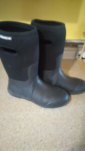 Men's Sz 8 Waterproof WindRiver Boots- NEW without Tags