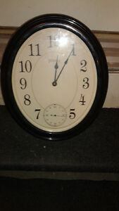BLACK LIVING ROOM CLOCK FOR SALE