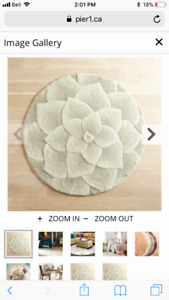 Pier 1 Ivory Rose Tufted Round Rug- like new
