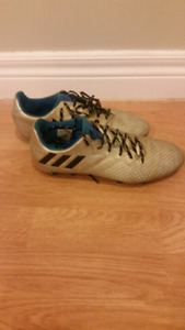 Adidas Messi Soccer Cleats size 5.5