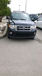 2009 Ford Escape with leather and sunroof 2 fobs