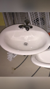 BRAND NEW SINK BRAND NEW FAUCET SET FOR ONLY $40