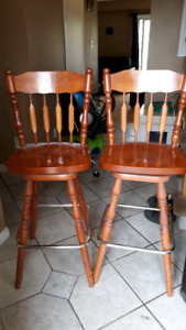 Bar chairs stool solid wood, high quality, top moves 360 degrees