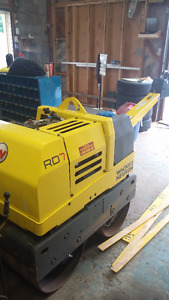 The RD7 walk-behind double drum vibratory roller