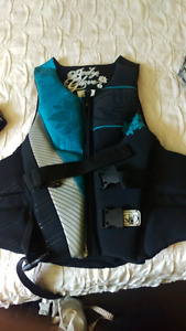 Ladies Body Glove life jacket size large