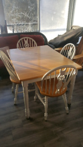 Dining table and 4 chairs with leaf
