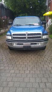 2000 Dodge Magnum Pickup Truck