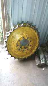 Used Chains and sprockets John Deere 550H dozer Peterborough Peterborough Area image 2