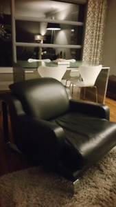 Contempo 'Zoe' Leather Chair - Modern Contemporary Style