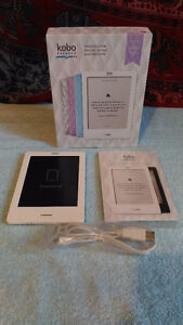 Kobo Ereader Touch Edition: Lilac plus purple Roots leather case