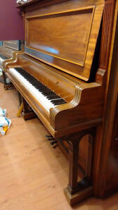 Antique Piano for free