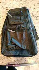 Thirty one sling back black bag