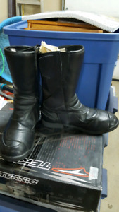 Technic Defender motorcycle boots