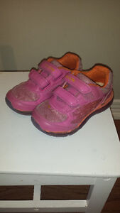 Girls Geox Size 10 Running Shoes